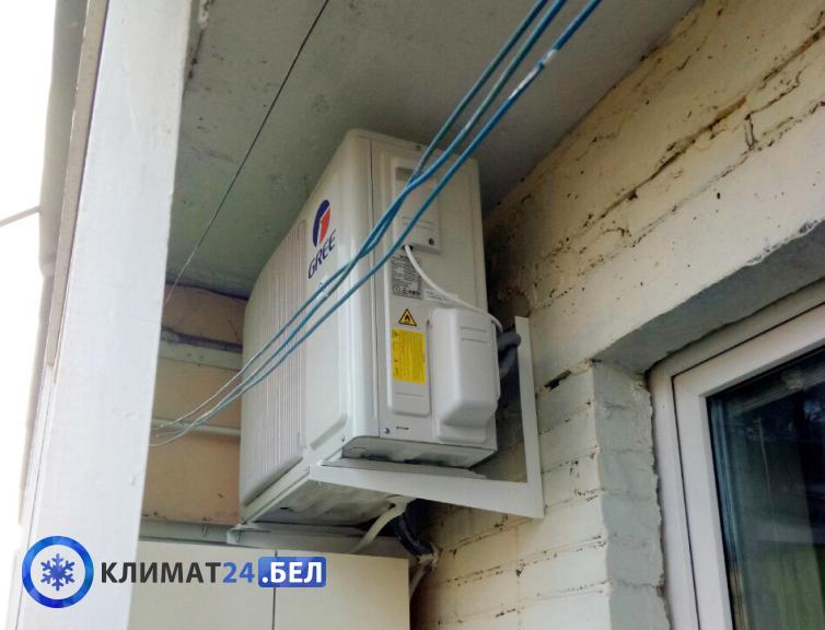 Установка наружнего блока кондиционера на балконе